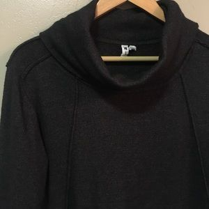 Cable & Gauge charcoal Turtle Neck sweater